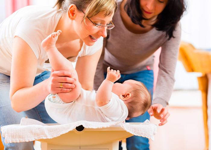 consultation du nourrissonsabelle Nicole Adjovi, sage-femme à domicile à Ermont